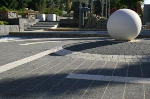 kula-libet-stampo-kostka-piccola-bianco-carrara-i-nero-kostka-akropol-granito1