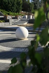 kula-libet-stampo-kostka-piccola-bianco-carrara-i-nero-kostka-akropol-granito2